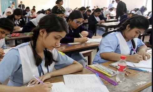 यूपी बोर्ड 10वीं और 12वीं के रिजल्ट जारी, 99 फीसदी से अधिक छात्र पास, यहां देखें नतीजे
