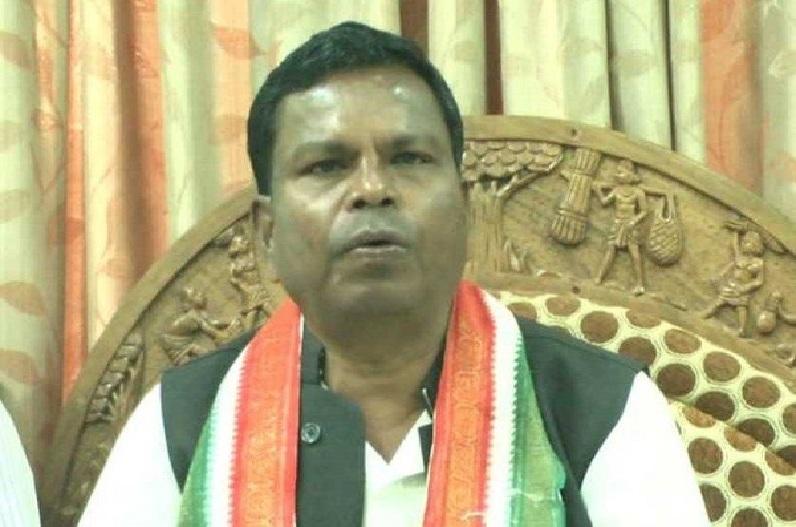 मंत्री कवासी लखमा के बयान पर BJP महिला मोर्चा नाराज, शराबबंदी हुई तो कांग्रेसियों को बांधेंगी राखी