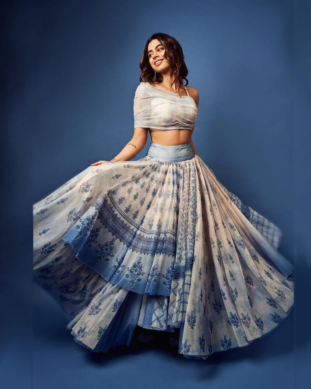 Janhvi Kapoor की बहन Khushi Kapoor का ग्लैमरस लुक एक बार फिर चर्चा में, आउटफिट की कीमत जान उड़ जाएंगे होश