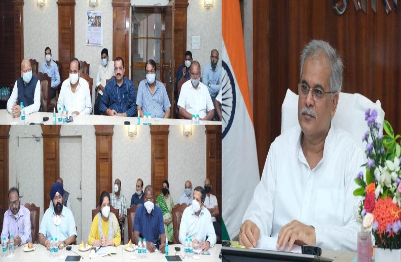सीएम भूपेश बघेल का बड़ा ऐलान- रायपुर में शुरू होगी बैडमिंटन अकादमी, खेलों के विकास के लिए धनराशि की नहीं होगी कमी