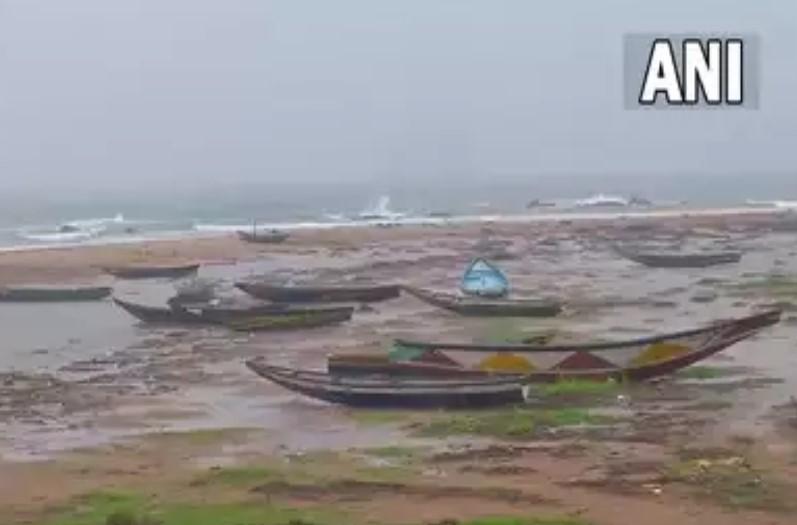 दिखेगा चक्रवाती तूफान गुलाब का असर, मौसम विभाग ने दी भारी बारिश की चेतावनी