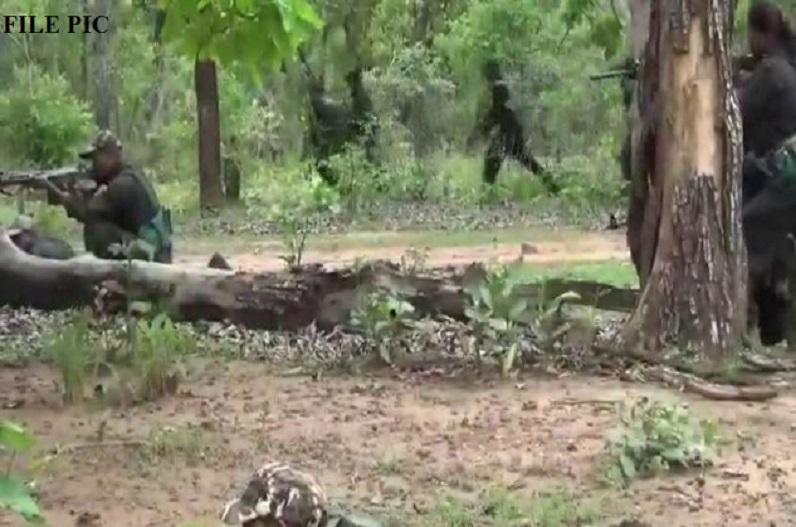 खल्लारी मार्ग पर नक्सलियों ने प्लांट किया था 10 किलो का टिफिन बम, जवानों ने किया डिफ्यूज