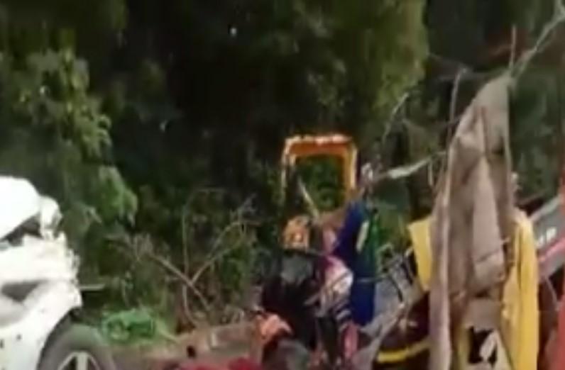 रायपुर-जगदलपुर नेशनल हाइवे पर स्कॉर्पियो से टक्कर के बाद ऑटो के उड़े परखच्चे, 7 की मौत, 8 घायल