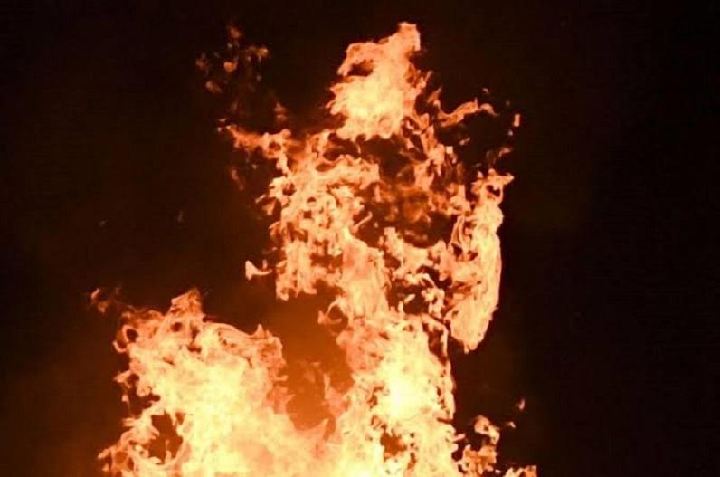 अवैध संबंध के शक में पुजारी ने पत्नी को जिंदा जलाया, साईं मंदिर का पुजारी है आरोपी
