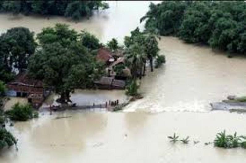 लगातार बारिश के बाद बाढ़ की स्थिति, यहां 200 से अधिक लोगों को किया गया रेस्क्यू, 7 हजार से ज्यादा को सुरक्षित निकाला