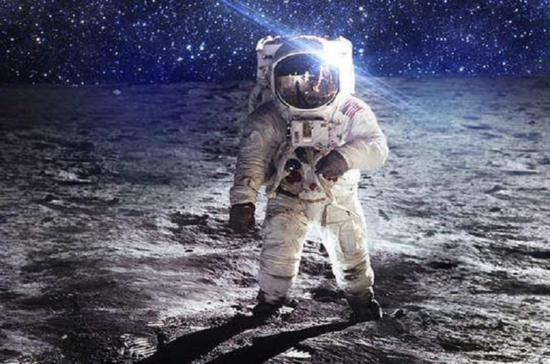 'स्पेसएक्स' ने रचा इतिहास, पृथ्वी के तीन दिन तक चक्कर लगाने 4 आम लोगों को भेजा अंतरिक्ष