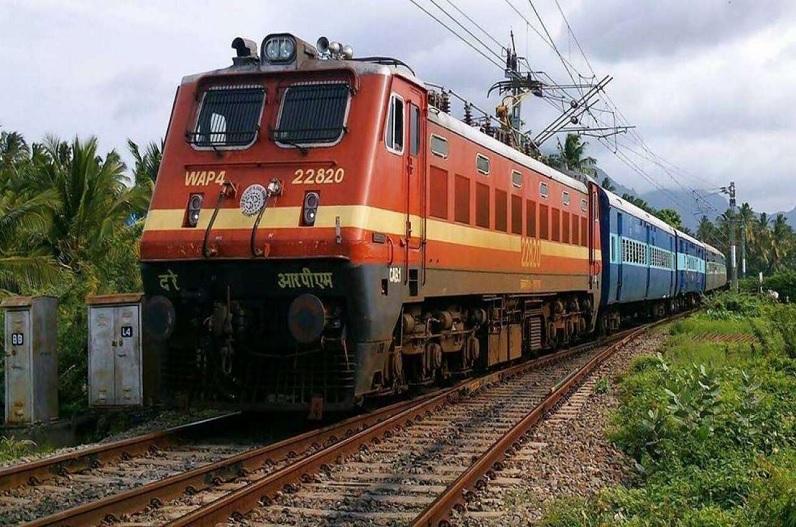 यात्रीगण कृपया ध्यान दें! अब फिर से पटरियों पर दौड़ेंगी ये ट्रेनें, रेलवे ने शुरू किया परिचालन, देखें टाइम टेबल