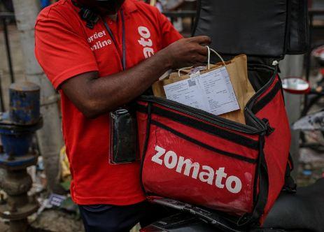 जोमैटो 17 सितंबर से बंद करेगी इन सामानों की ऑनलाइन डिलिवरी, इस फैसले के लिए बताई ये वजह